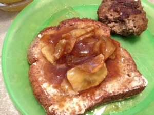French Toast w Sauteed Apples